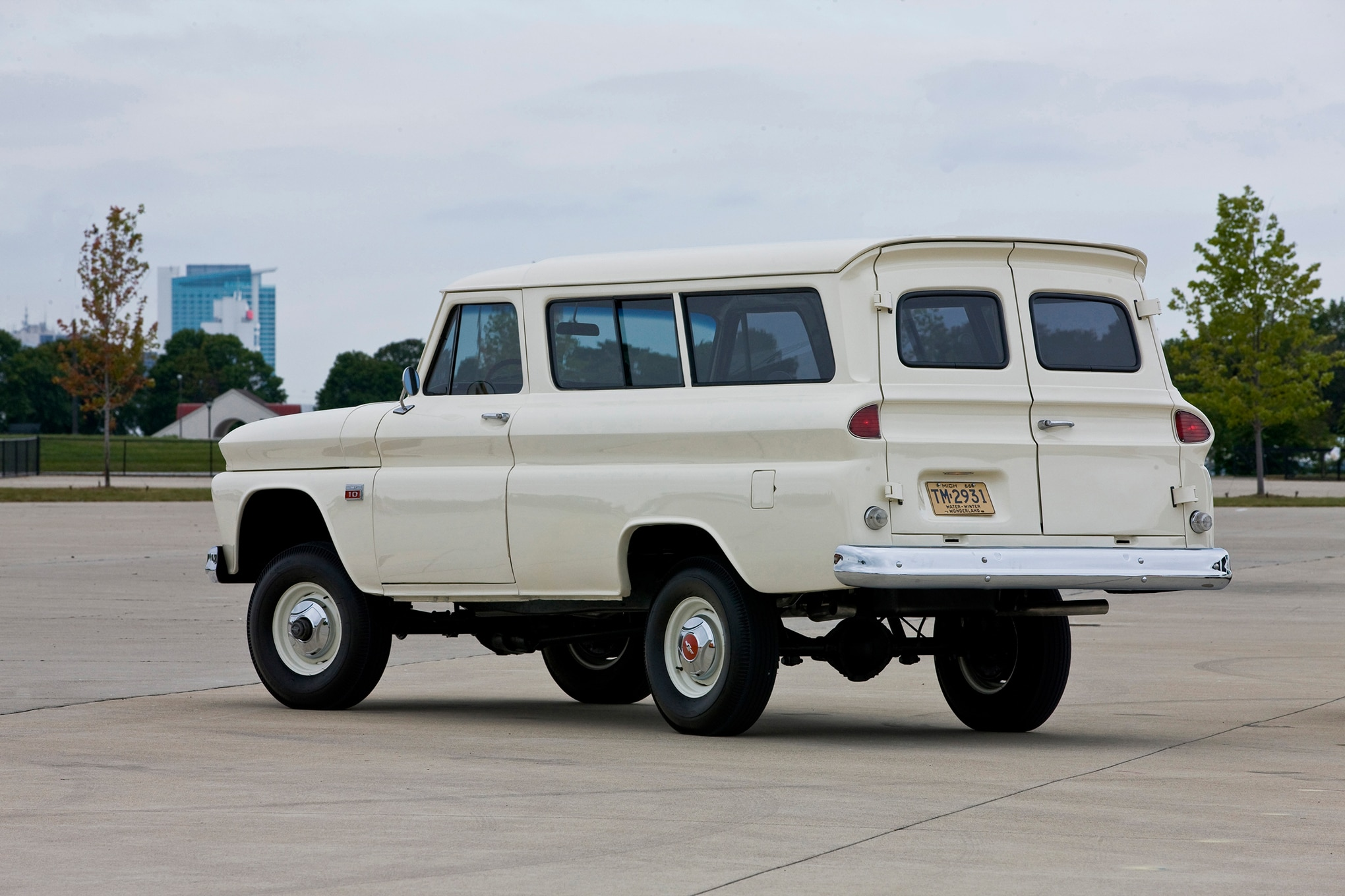 Last Of The Chevy Highboys 1960 66 Suburban Carryall