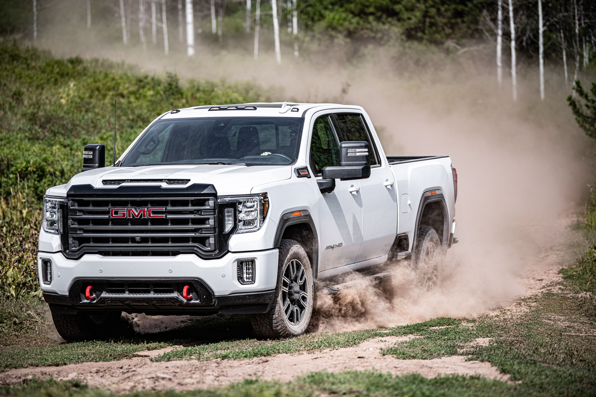 "GMC Debuts Industry ""First"" Features And Adds A New 4×4 ..."