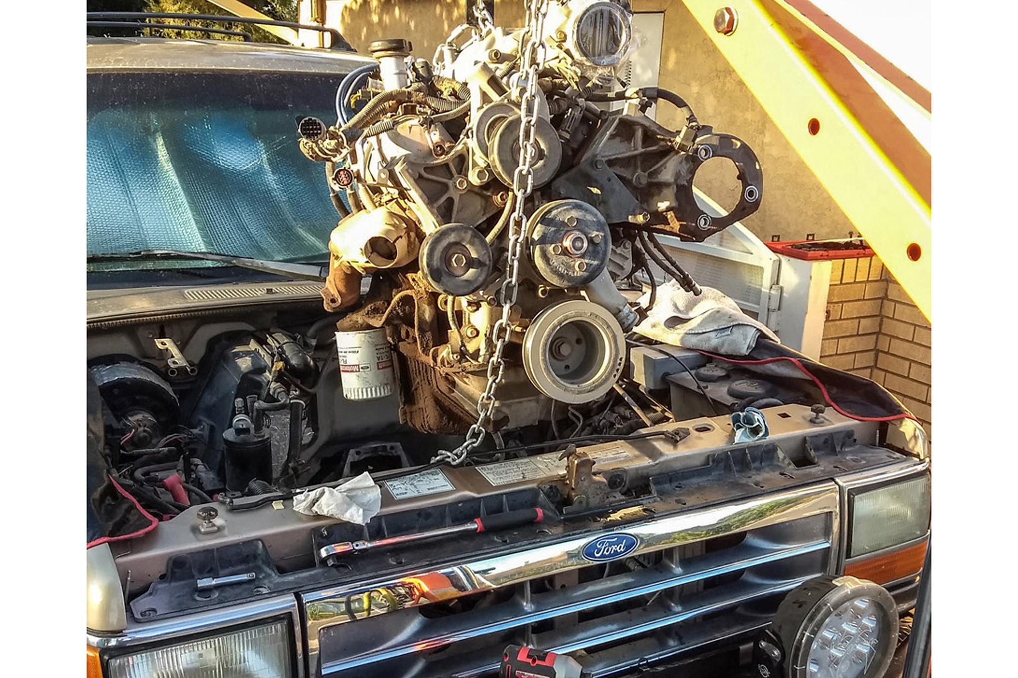 Rebuilding a Ford Explorer 4.0L V-6 Engine and Fixing Problems Common to  the DesignFour Wheeler Network