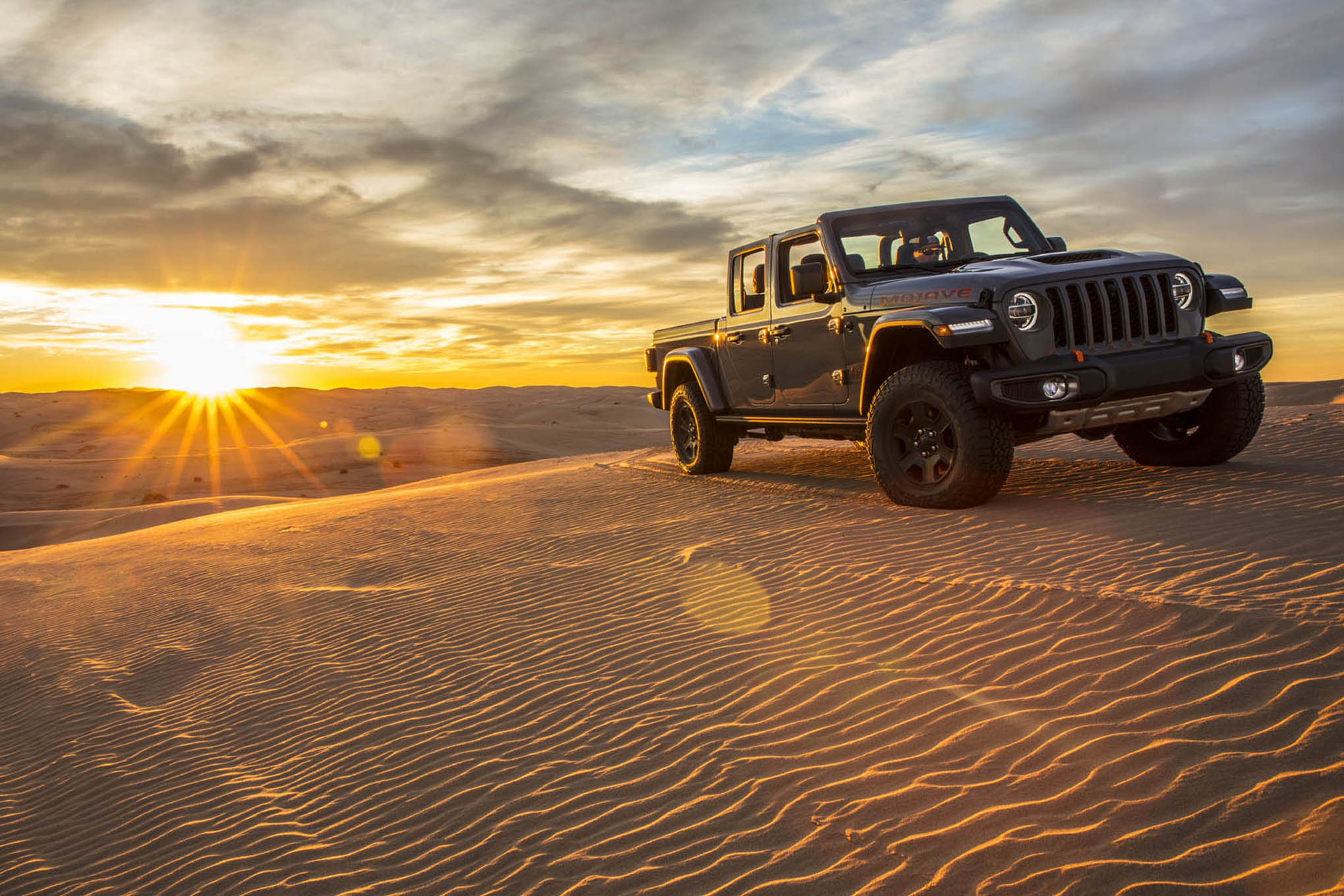 Jeep Wheels And Tires >> 2020 Jeep Gladiator Mojave Compared with Gladiator Rubicon - FOUR WHEELER NETWORK